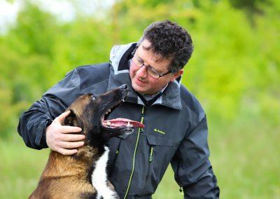 Johan Delie is hondengedragscoach en bedacht de contactmethode.